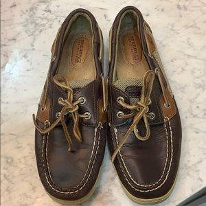 Brown sperry top slider shoes